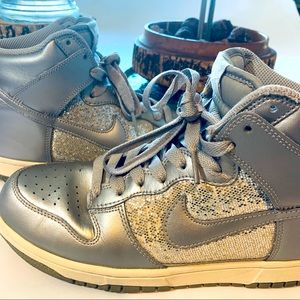 🏀👟 Nike Metallic Dunks (High)